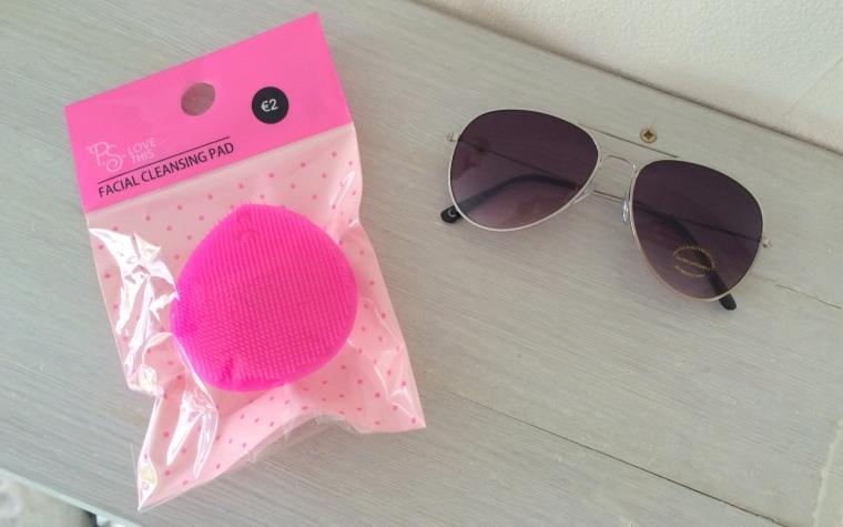 Primark face cleanser & zonnebril