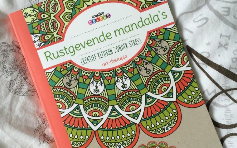 Kleurboek voor Volwassenen: Rustgevende Mandala's