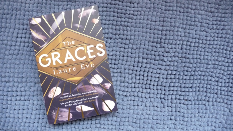 The Graces Recensie Laure Eve